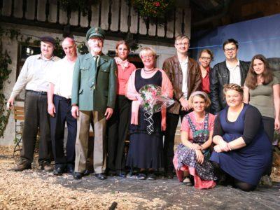 Das Theater-Team der KLJB und Trachtentanzgruppe St. Märgen (Foto: Heinrich Fehrenbach)